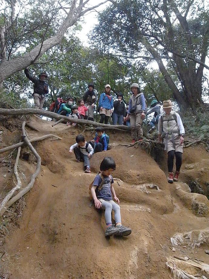 外あそびteteでは、「母による母(父)のための親子ハイキング」をテーマに、親が初心者でも安心して楽しめるイベントを開催