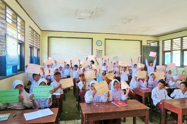 5年生の子供たちと一緒に英語を勉強しました!