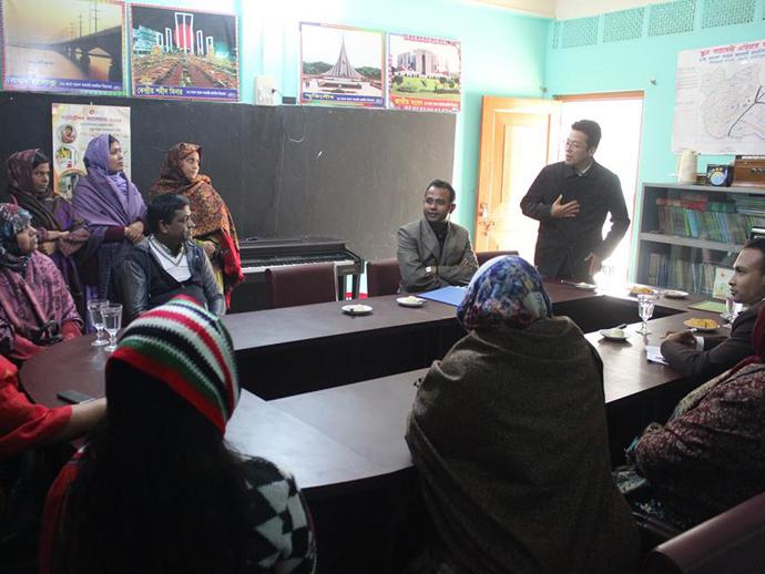 小学校教員と生物多様性教材試行に関する意見交換 (バングラデシュ)