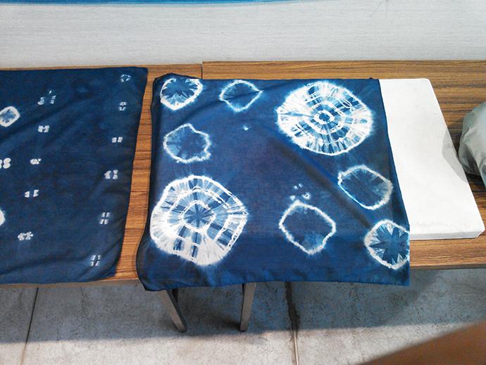 参加者の藍染作品